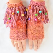 crochet mittens with beads
