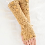 tutorial of long crochet mittens beige color